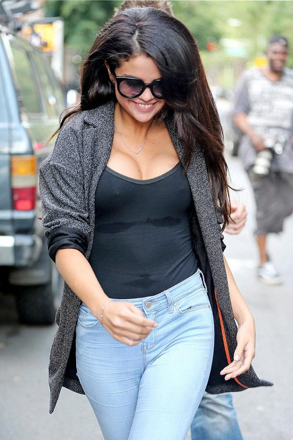 Did Selena Gomez get Breast Implants?
