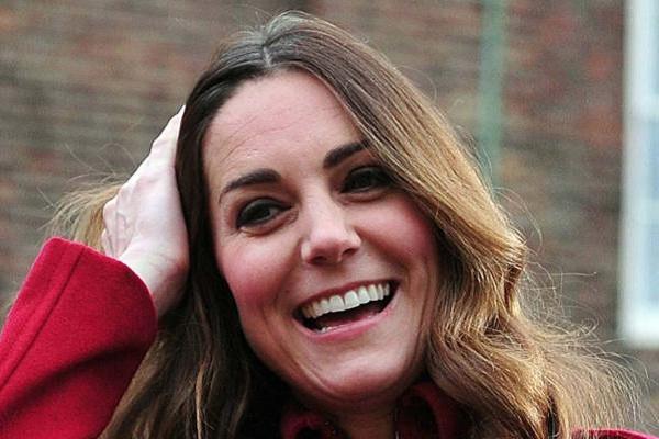 Watch Kate Middleton Playing Three Tins 1