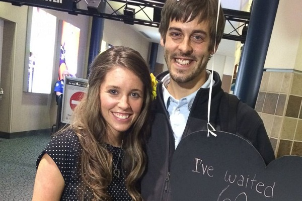 Jill Duggar and Derick Dillard on Romantic Trip to Attend Friend's Wedding