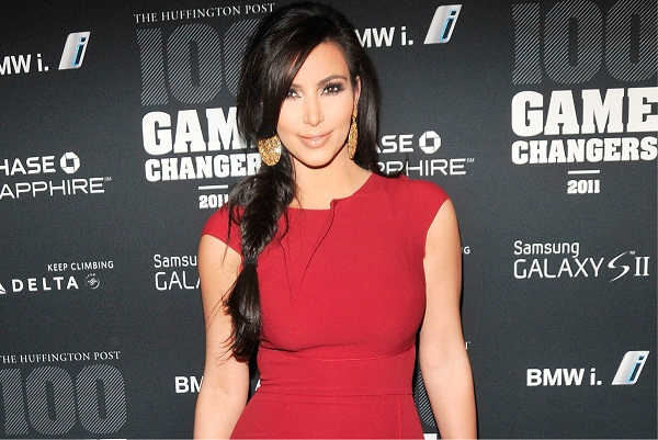 Kim Kardashian Shared Her Fast Tan Beauty Routine  1