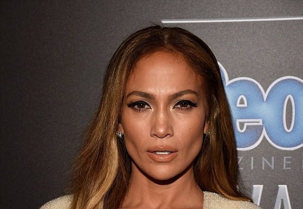 Jennifer Lopez Appears Super Hot at 2015 RDMAs 1