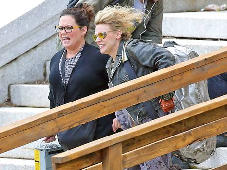 Melissa Mc Carthy and Kate Mc Kinnon shoot Ghostbusters in Boston