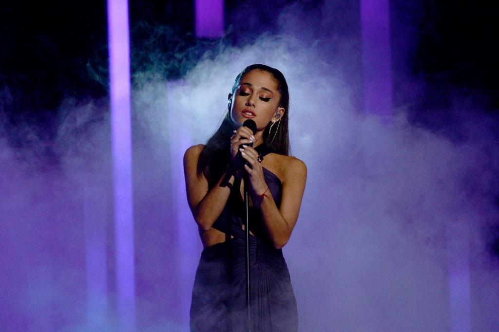 Ariana Grande performs at 2015 Grammys