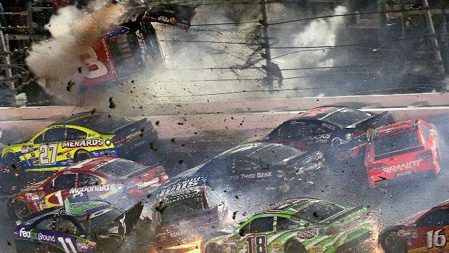 Austin Dillon hits Daytona fence