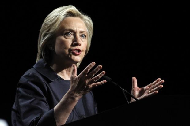 Clinton to meet with church officials near Ferguson unrest