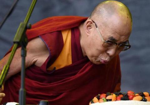 Dalai Lama celebrates 80th birthday in California
