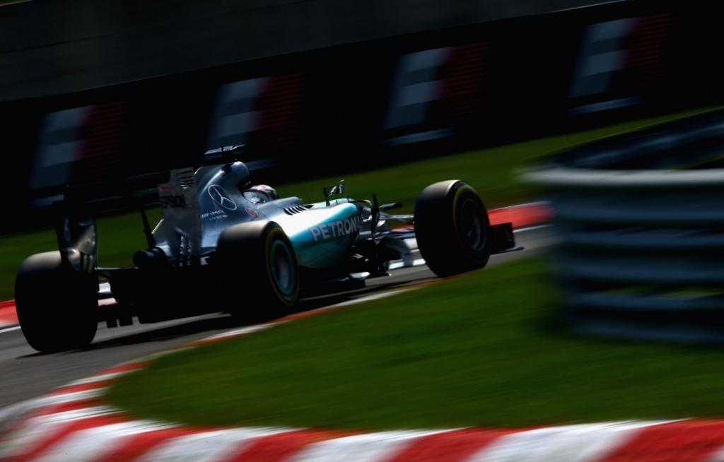 Hamilton takes pole for Hungarian GP ahead of Rosberg