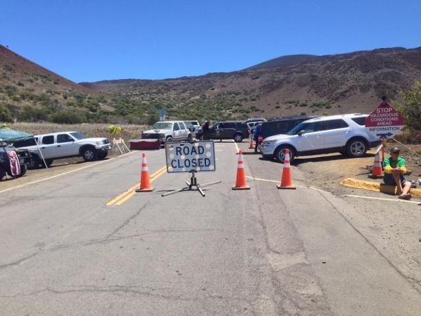 Hawaiians, protectors delay construction on Mauna Kea | National Monitor
