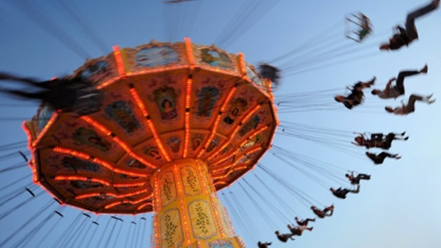 2016 buzz in the air as Iowa State Fair begins