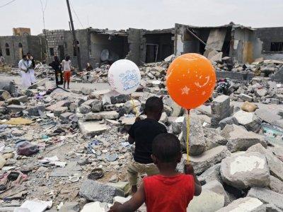 Massive blast hits intelligence service building in Aden