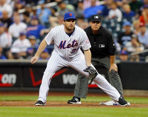 Daniel Murphy of the New York Mets defends