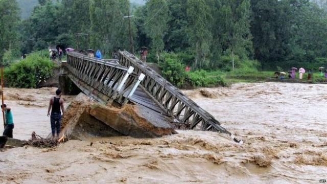 Flood creates havoc all over India Killing hundreds of people