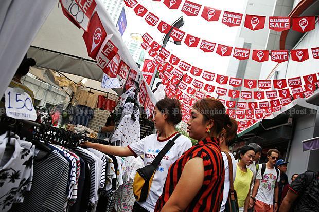 Shopper peruse the bargains at Bangkok's Platinum shopping mall Aug 3