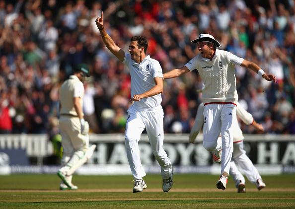 England thrash Australia to go 2-1