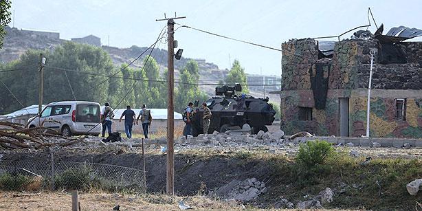 PKK suicide bombing kills 2 soldiers injures dozens in Ağr