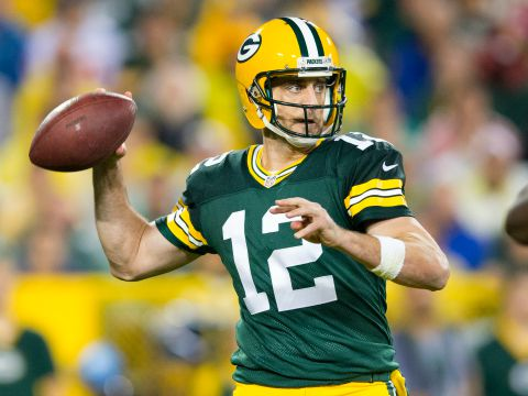 Sep 28 2015 Green Bay WI USA Packers Quarterback Aaron Rodgers Throws A Pass