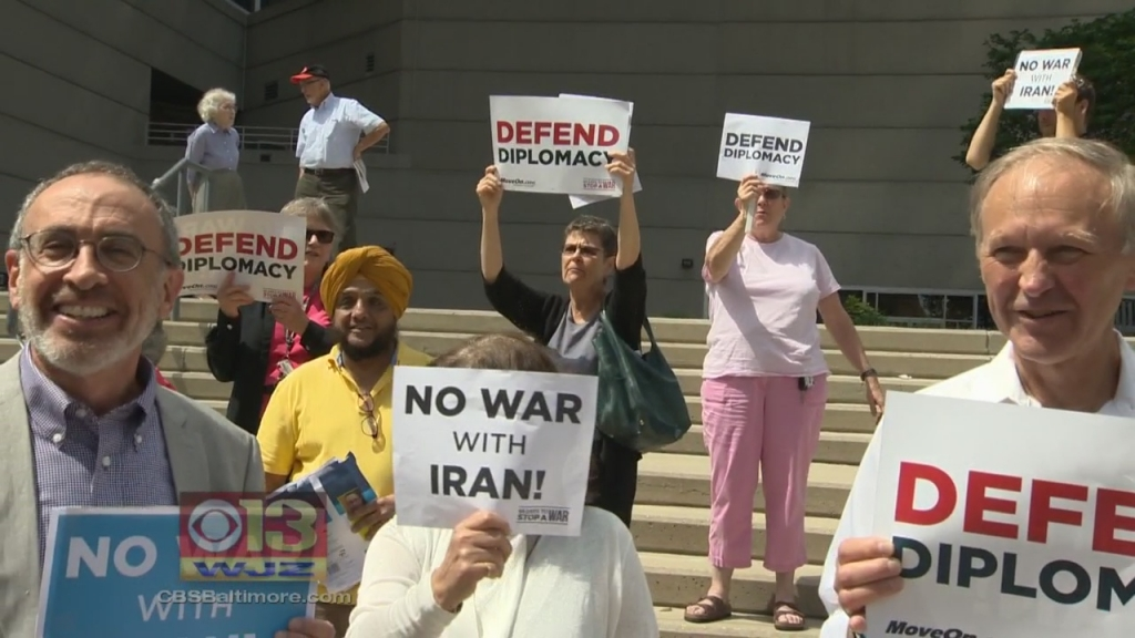75 former lawmakers press Congress to back Iran deal