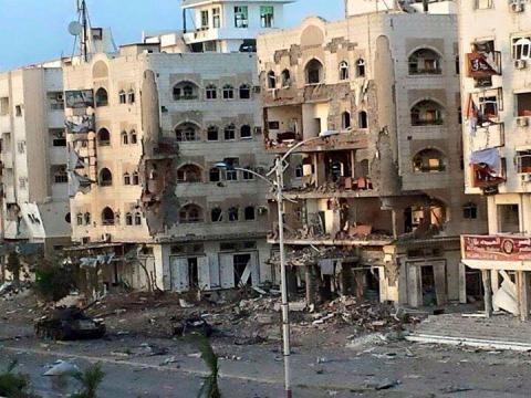 Exiled Yemen president returns to Aden, vows to retake capital