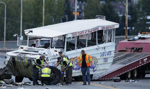 NTSB focuses on broken axle in duck boat crash