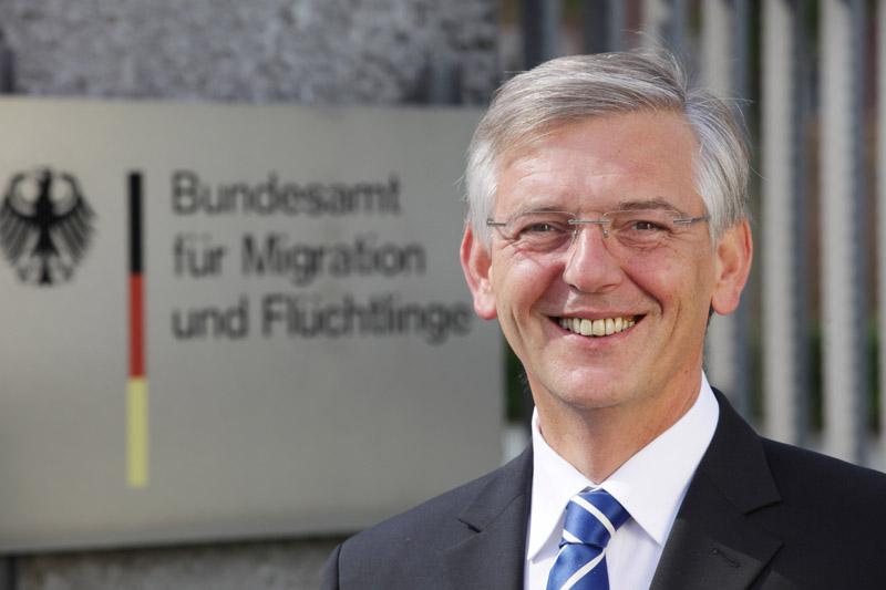 Head of German asylum office quits