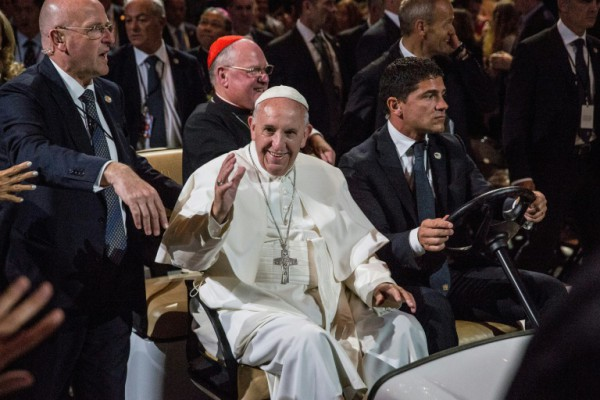 Pool  AFP  Andrew Burton Pope Francis arrives to lead mass at Madison Square Garden