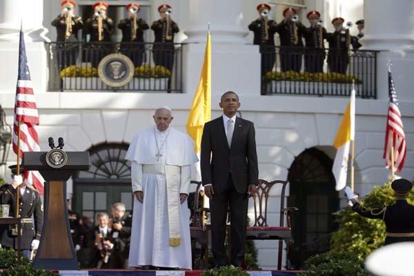Children complete scene for Pope Francis