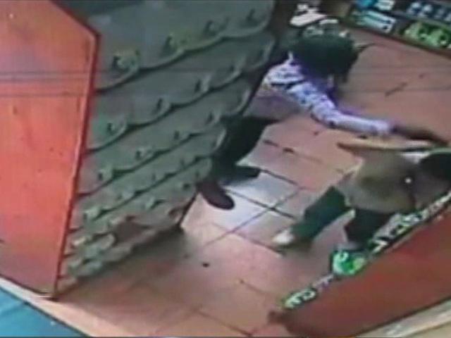 Stranger slaps boy for not saying 'thank you&#39                       WMAR