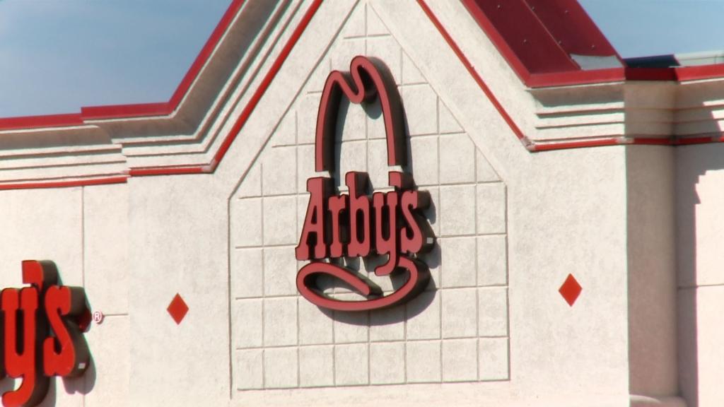 Uniformed officer denied service at fast-foodrestaurant