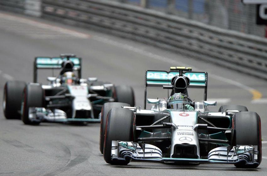 F1 Rosberg Kvyat Ruin Hamilton's Friday Practice in Singapore