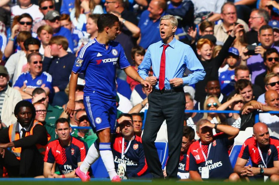 LONDON ENGLAND- SEPTEMBER 19 Head coach Arsene Wenger of Arsenal looks on during the Barclays Premier League match between Chelsea and Arsenal at Stamford Bridge
