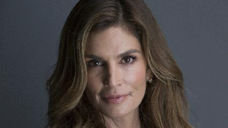 Cindy Crawford talks selfies models today and daughter Kaia story image