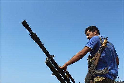 UPDATE 4 Yemeni government Saudi-led forces retake Red Sea strait