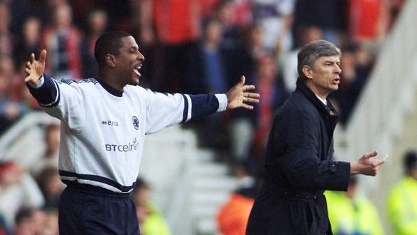 Former Arsenal defender Viv Anderson left has backed Arsene Wenger right to lead the club's title challenge