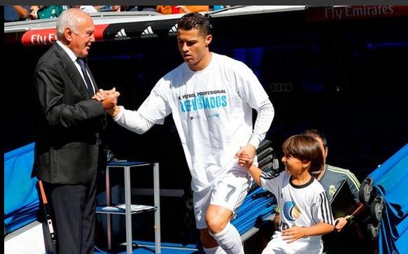 Syrian_Refugee_Walks_Out_Christiano_Ronaldo_to_Game