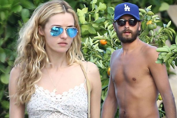 'Separated' Scott Disick takes new '18-yr-old' gal-pal on trip
