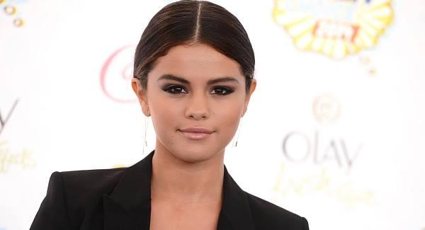 Selena Gomez: Taylor Swift helps me feel 'human'