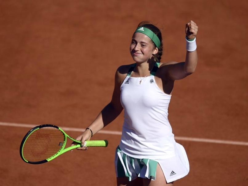 French Open Jelena Ostapenko Powers Into Final To Meet Simona Halep