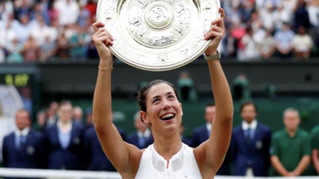 Makarova and Vesnina win doubles at Wimbledon