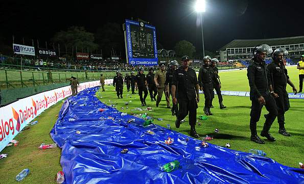 Play was stopped for 32 minuted in the third ODI because of unruly crowd