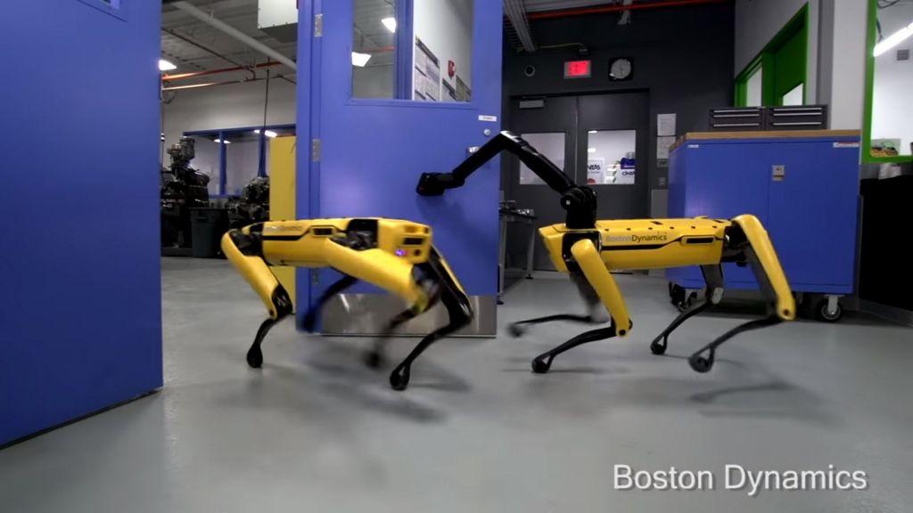 Boston Dynamics&#039 terrifying Robo Dog is definitely not man's best friend