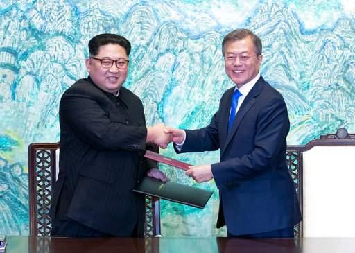 President Trump and South Korean President Moon talk ahead of North Korea meeting