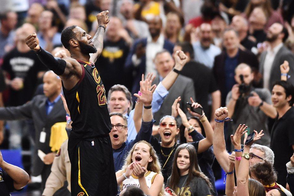 NBA: LeBron on fire
