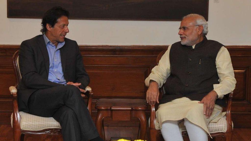 Imran Khan with PM Modi in 2015