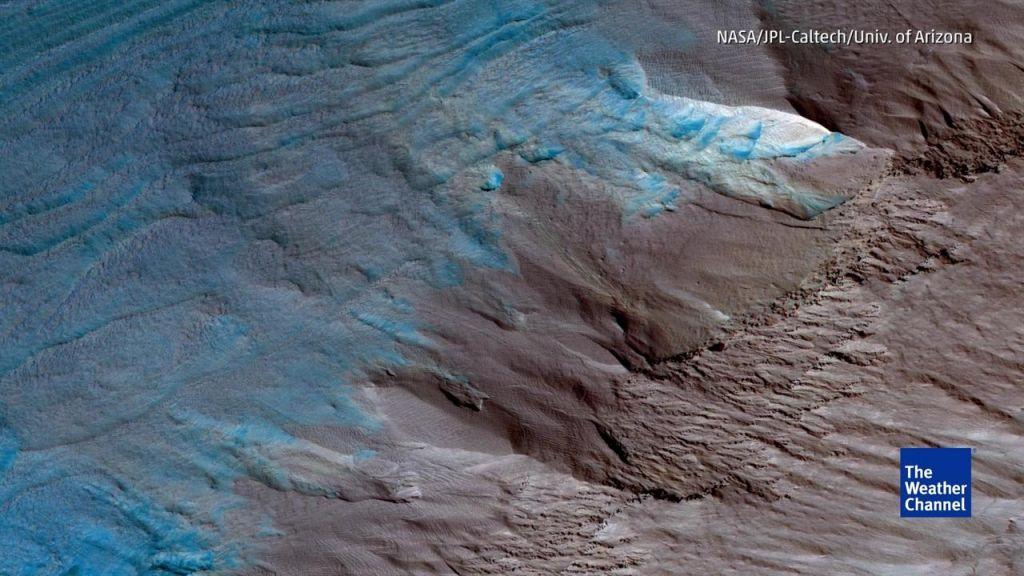 Scientists Detect Liquid Lake on Mars