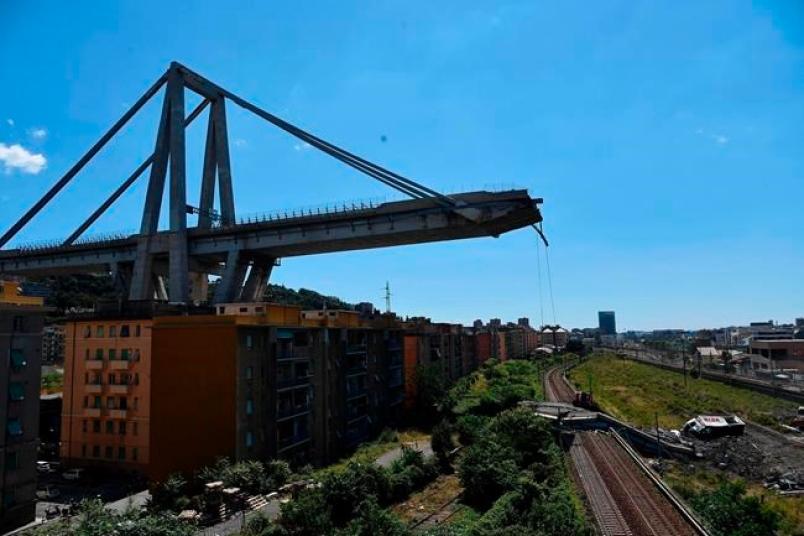 Cars plunge in Italian highway bridge collapse; 20 killed