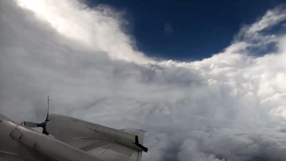NOAA's WP-3D Orion hurricane hunting plane flies into Hurricane Florence